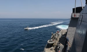 The Iranian boats moved at high speeds towards the ships.