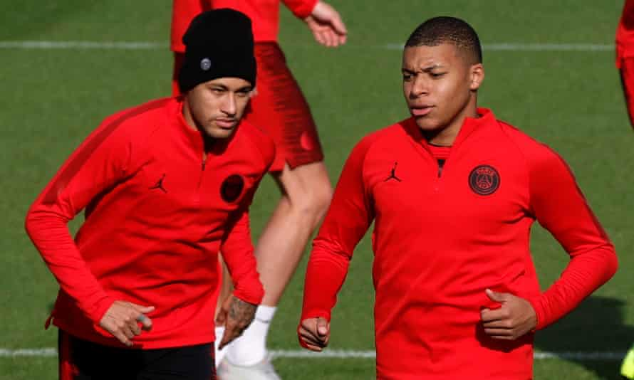 Kylian Mbappé, right, has overtaken Neymar in the popularity stakes with PSG fans, many of whom seem happy for the Brazilian to go.