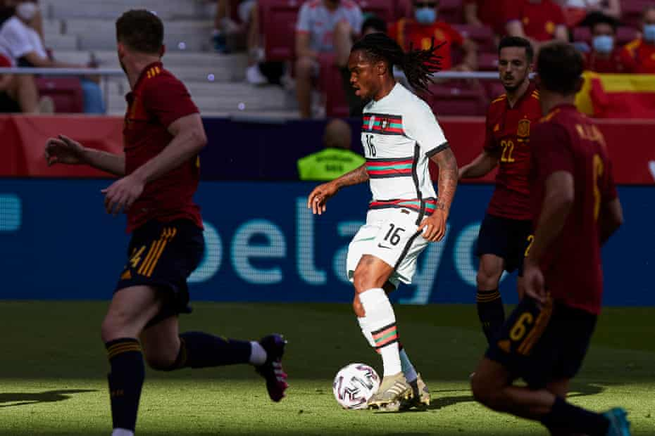 Renato Sanches of Portugal controls the ball during the international friendly match against Spain on June 4, 2021.