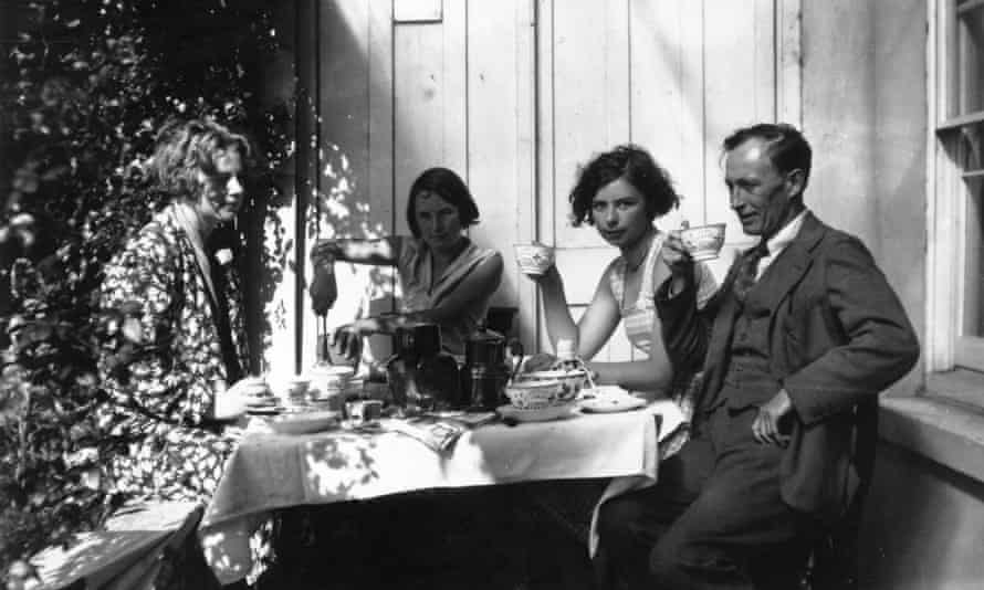 Some members of the Bloomsbury set at a quiet tea on the verandah in 1929.