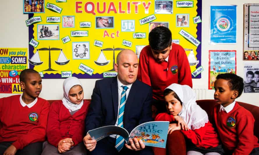 Andrew Moffat with pupils