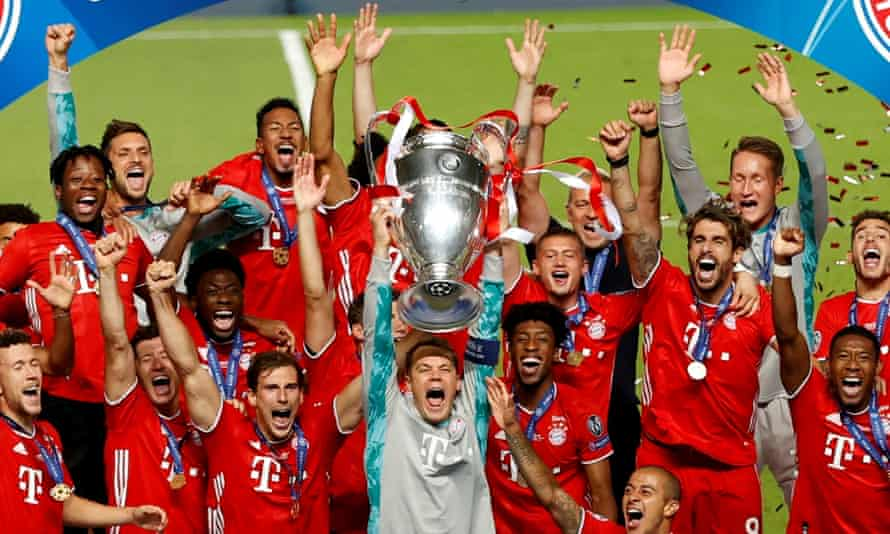 Bayern Munich with the Champions League trophy after defeating PSG in the final in Lisbon in August 2020.