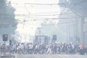 Melbourne, Australia: Morning commuters endure a smoke haze from bushfires