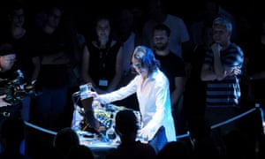 Suzanne Ciani performs in the middle of the crowd.