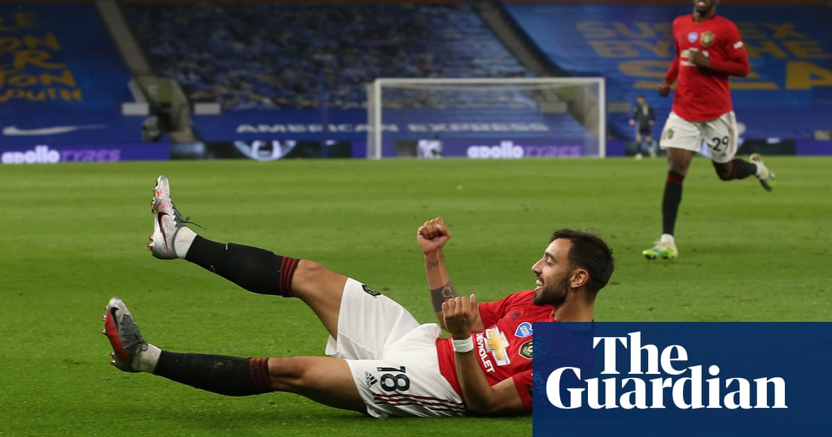 Manchester United coast past Brighton thanks to Bruno Fernandes double