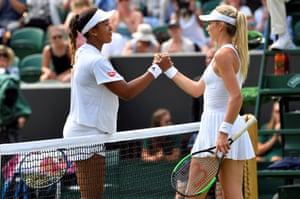Naomi Osaka shakes hands with Katie Boulter after winning their 2018 Wimbledon second-round match 6-3, 6-4.