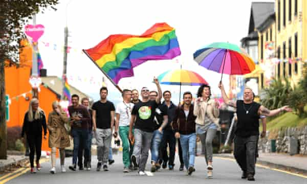 confx.co.uk: Gay men in Clare, Ireland