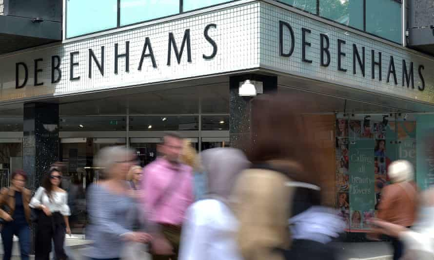 Sports Direct boss Mike Ashley has called for a clean sweep of Debenhams's board and proposed installing himself as an executive.