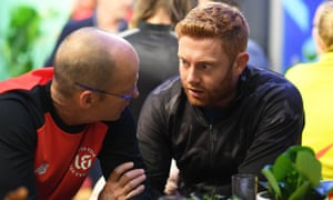 Gary Kirsten, head coach of Welsh Fire, discusses possible picks with Jonny Bairstow at the Hundred draft.