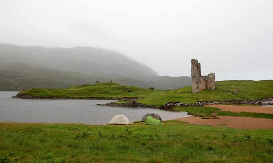 Ardverck Castle, Loch Assynt. Wild Guide Scotland