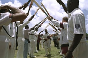 Brian Lara gets a guard of honour as he leaves the field after breaking Gary Sobers' Test record