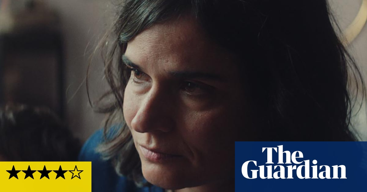 Litigante review – tender tale of private lives and public scandal
