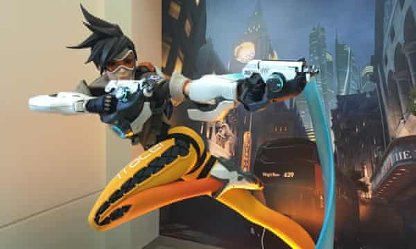 Tracer, from Overwatch, strikes a pose in a statue at Blizzard's HQ.