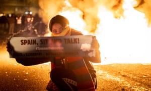 Tsunami Democratic protestor