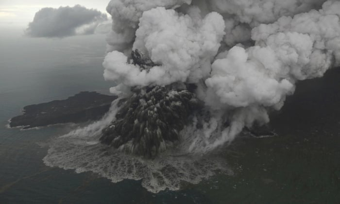 indonesia tsunami caused by collapse of volcano world news the