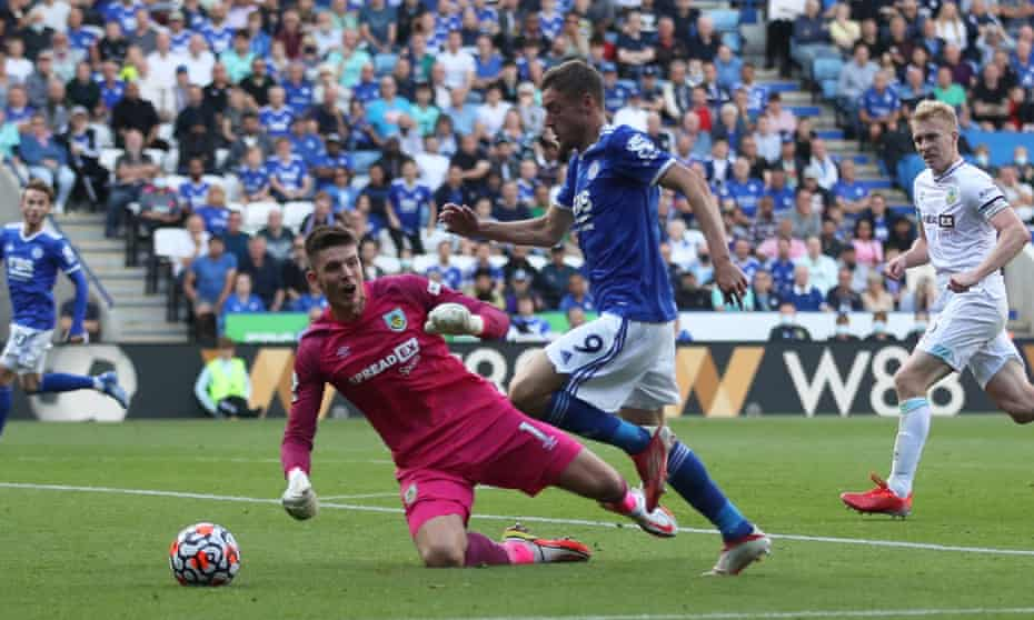 Jamie Vardy scores Leicester's second goal against Burnley.