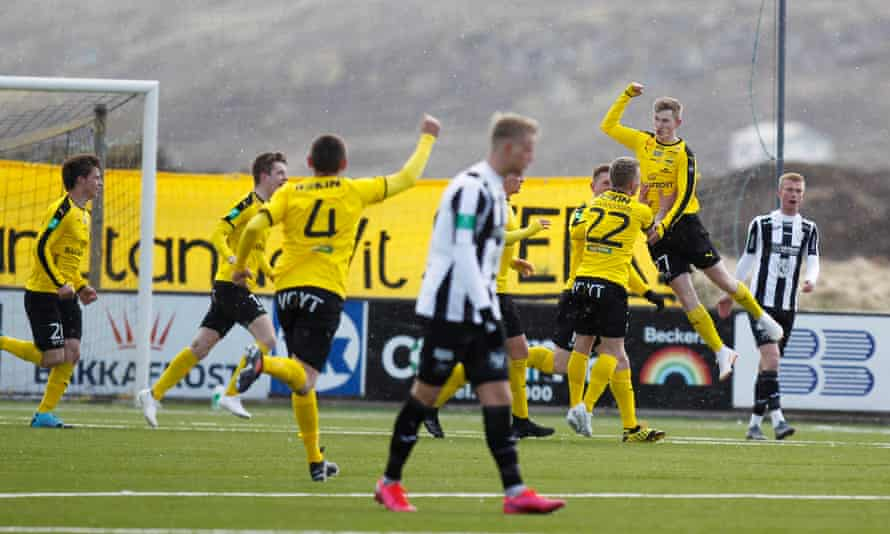 Aron Knudsen celebrates scoring  for NSI and the first goal since the restart of football in Europe