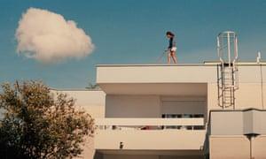 Ava (2017) film sill