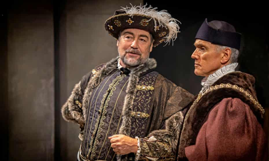 Nathaniel Parker as Henry VIII and Ben Miles as Thomas Cromwell in The Mirror and the Light.