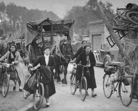 French refugees from the Paris region on their way south in 1940.