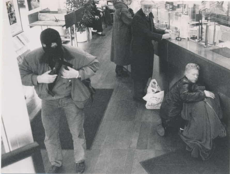 Surveillance footage of Arsonius robbing a branch of SEB bank in downtown Stockholm on 14 November 1991