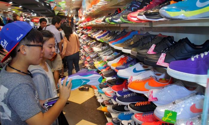 3df31ce5c3c27b Hong Kong shopping guide  the markets of Mong Kok