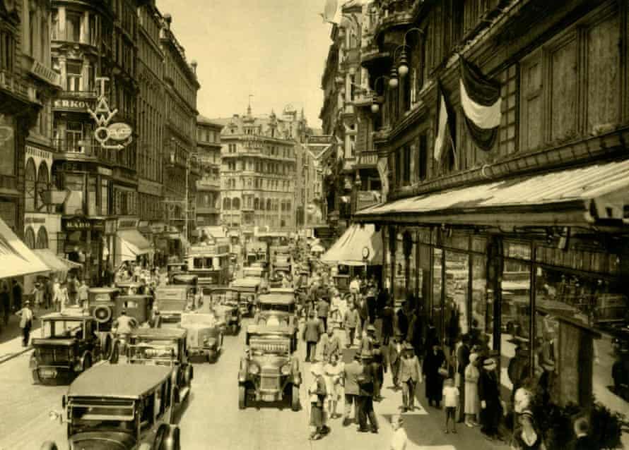 Kärntner strasse, Vienna, in 1935.