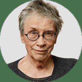 Annie Proulx. Circular panelist byline.