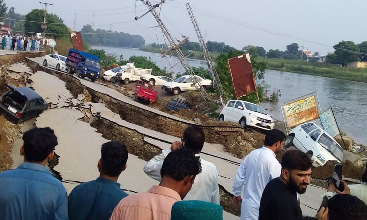 Pakistan Earthquake Leaves 19 Dead And 300 Injured In Kashmir Region World News The Guardian