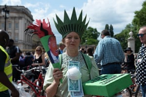 'The Statue of Taking Liberties' protests against Trump near Buckingham Palace