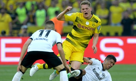 Tottenham weigh up move for Borussia Dortmund centre-back Matthias Ginter