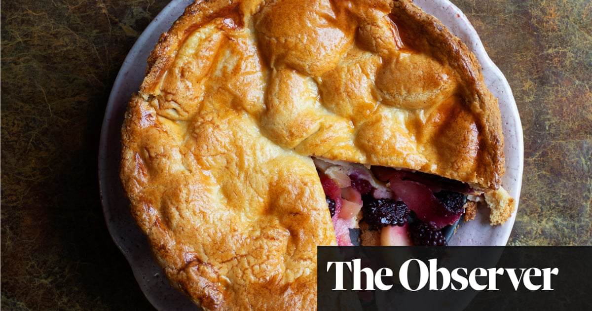 Nigel Slater's recipes for apple and blackberry pie, butternut tart and peaches with blackcurrant sauce