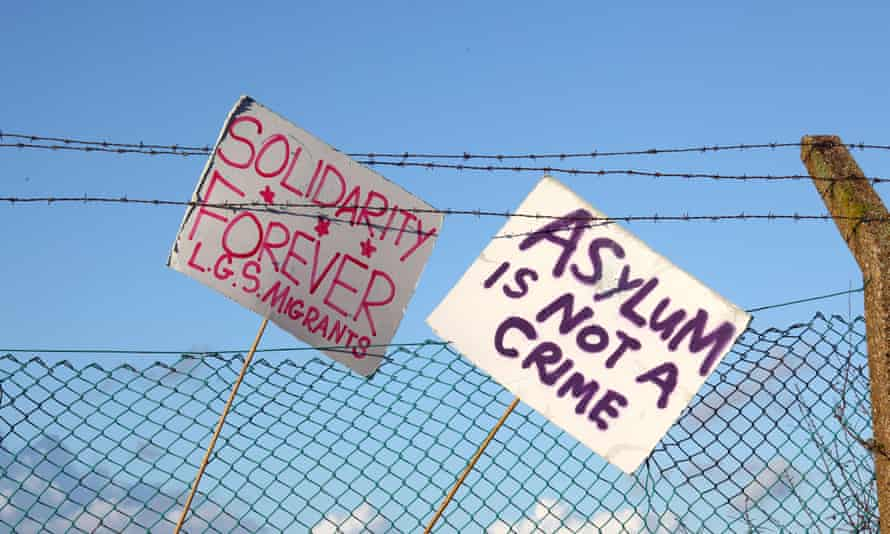 A protest at Yarl's Wood immigration detention centre