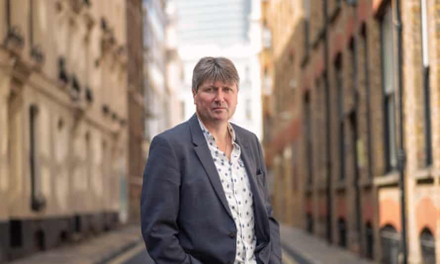 'I don't think you should underestimate students' capacity or even their ambitions for taking on language' ... Simon Armitage.
