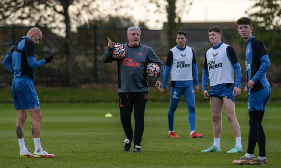 Steve Bruce take a Newcastle training session last week after the club's takeover.