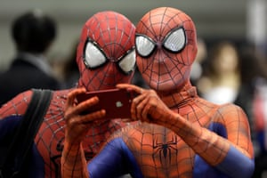 Christmas lights and Comic Con: Friday's best pictures | News | The