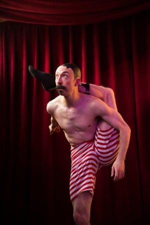 Bendy Bendini combines physical comedy, contortion and absurdism