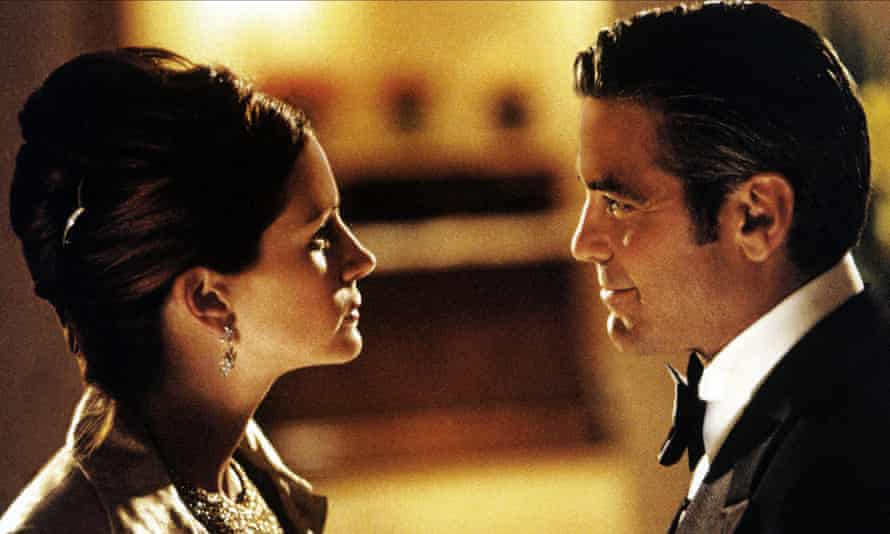 'Ode to cameraderie' … Julia Roberts and George Clooney in Ocean's Eleven.