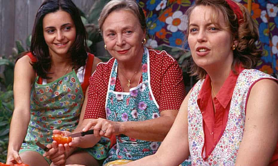 Pia Miranda, Elena Cotta and Greta Scacchi as three generations of Alibrandi women.