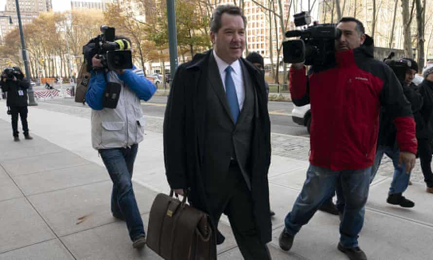 "Jeffrey Lichtman, attorney for Joaquín ""El Chapo"" Guzmán, arrives at the Brooklyn federal courthouse in New York on 14 November."