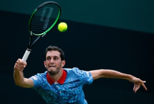 James Ward is staring at an emphatic straight sets defeat.