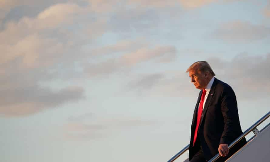 Donald Trump disembarks Air Force One on Saturday