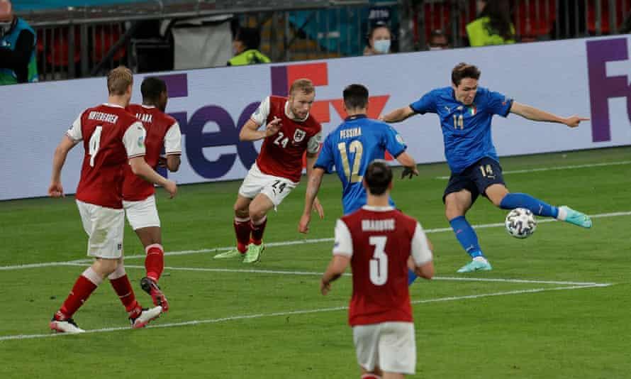 Federico Chiesa puts Italy ahead