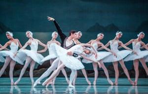 Xander Parish with Viktoria Tereshkina and members of the Mariinsky corps de ballet in Swan Lake at the Royal Opera House, July 2017.