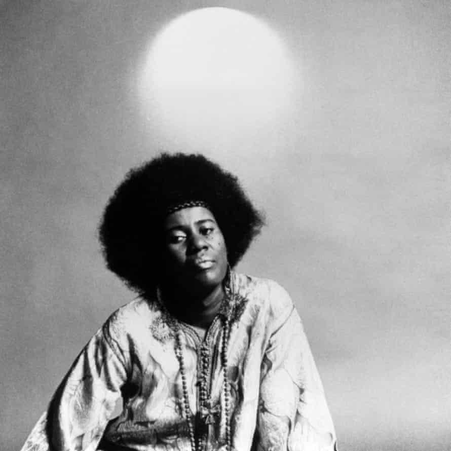 Black and white portrait of Alice Coltrane.