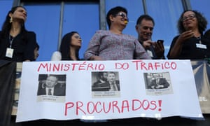 Ministerial staff protest for the resignation of Fabiano Silveira, centre of poster.