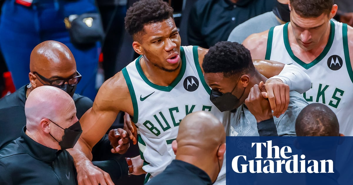 Hawks thrash Bucks to tie East finals as Antetokounmpo leaves with knee injury