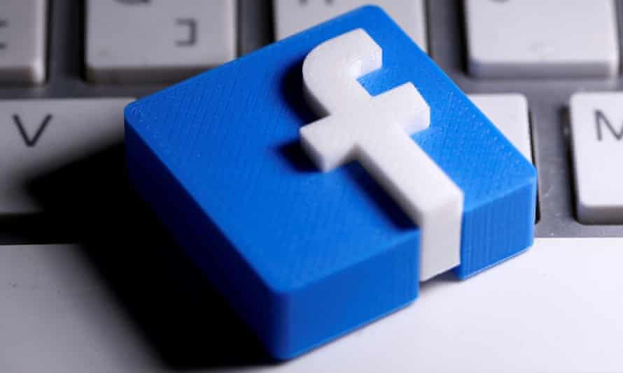 3d facebook F next to keyboard
