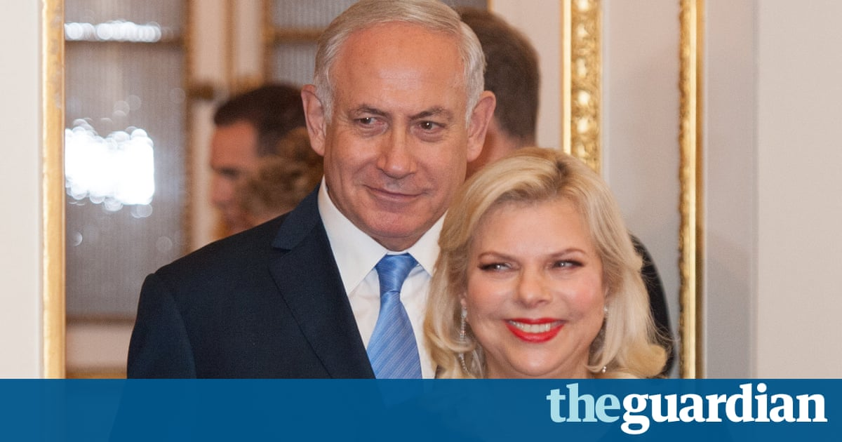 Netanyahus allegedly demanded free cigars and champagne from associates