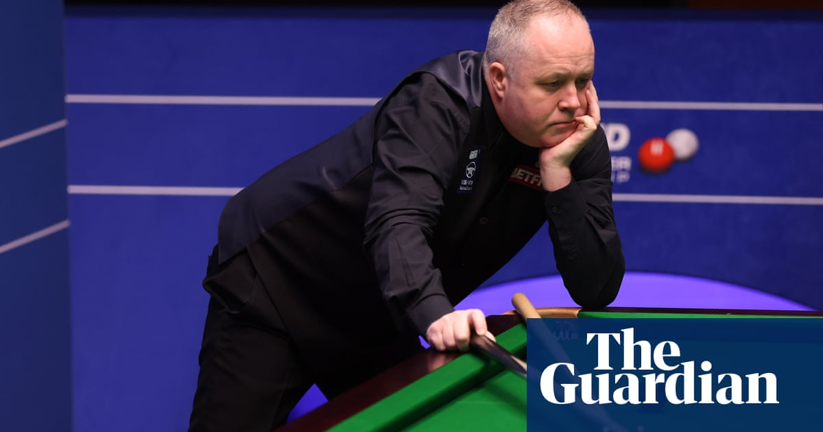 John Higgins misses maximum chance as Mark Williams takes charge of match